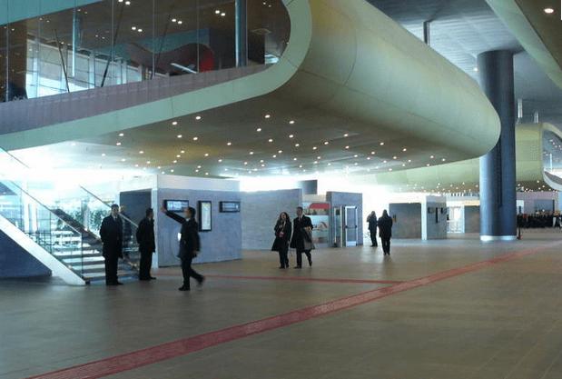 Tiburtina station interior