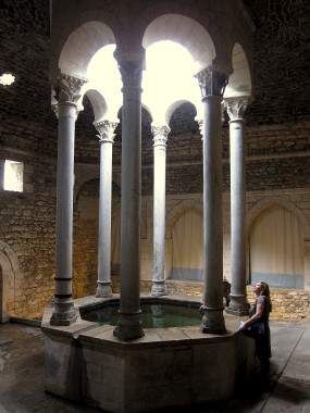 The central pool of the Arab Baths — Day Trip from Barcelona