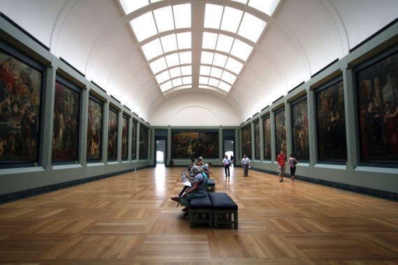 how to tour the louvre our guide context travel blog