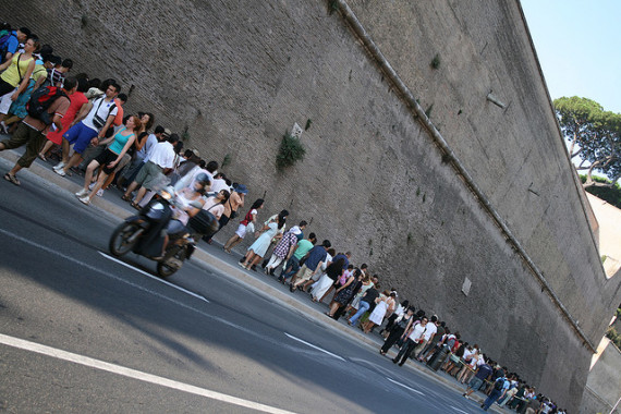 The non-reservation line in front of the Vatican Museums
