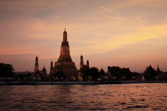Wat Arun at Sunset - photo credit Piotr Gaborek