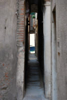 The narrowest alley in Venice - 6 Things to Do in Venice