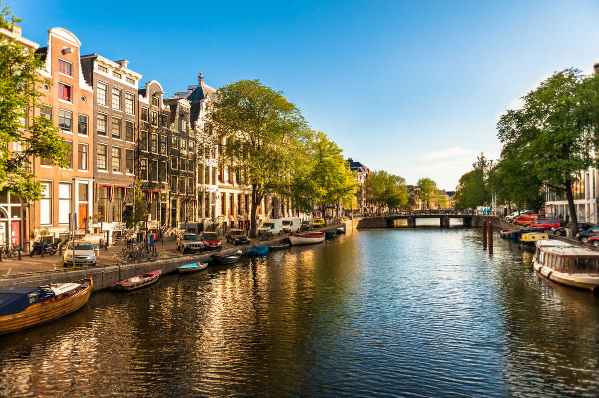 Things to Do in Amsterdam #1: the canal belt