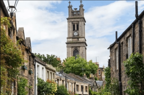 Stockbridge—one of our favorite things to do in Edinburgh